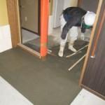 岐阜市 デイサービス新装工事 玄関ポーチ、エレベーターホール壁石貼を行いました。